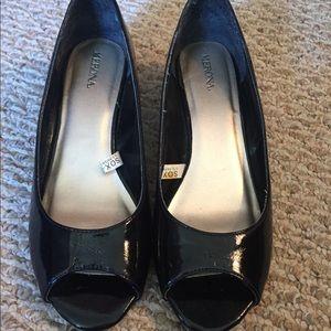 Size 8 black Merona wedges
